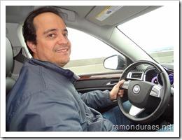 Ramon Durães dirigindo em Seattle
